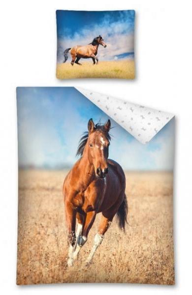 POVLEČENÍ HORSE KŮŇ V POLI